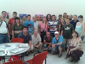Los amigos de Adunare junto con los artistas de Rey Ardid