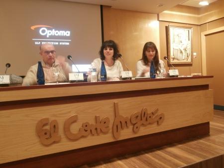 Luis Carlos, Eva y Nieves durante su presentación en la Sala de Ámbito Cultural