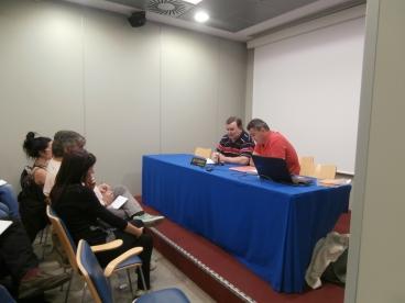 José  Manuel Arévalo fue presentado por Bernardo Gómez, participante en el taller de radio del Club Social